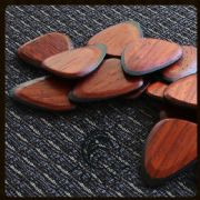 Tri Tones - Padauk - 1 Guitar Pick | Timber Tones